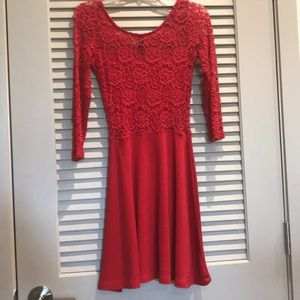 Xs 3/4 sleeve red lace/ cotton dress